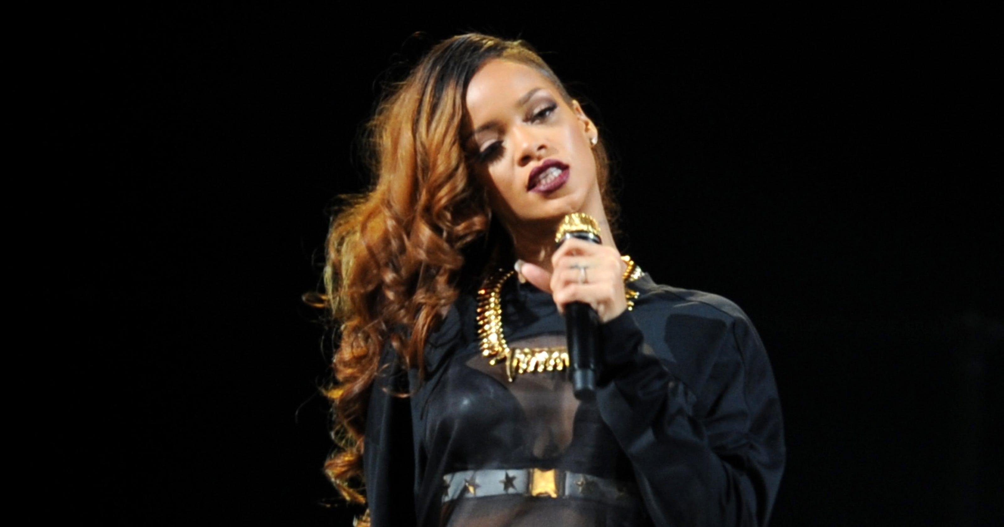 Rihanna cancels Houston concert because of illness