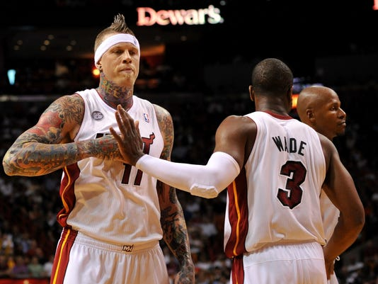 new style c9e3f d8683 LeBron James leads Heat to franchise record vs. Bulls