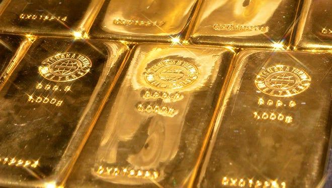 One-kilogram gold bars.