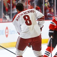 0c659af10 Keith Yandle backs marathon victim with jersey