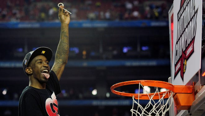 Russ Smith is coming back to see if he and his Louisville Cardinals teammates can slice up another championship game net.