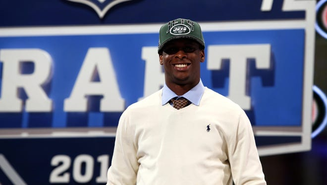Quarterback Geno Smith (West Virginia) was picked  at No. 39 overall by   the New York Jets.
