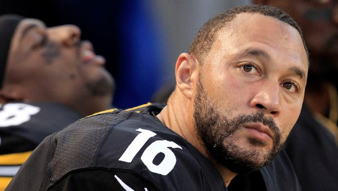 Pittsburgh Steelers quarterback Charlie Batch, since here last August,  will try his hand at sports journalism