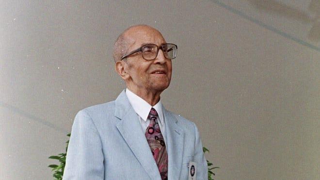 Sam Lacy in 1998.