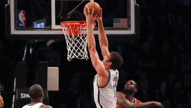 Brook Lopez scored 28 points in the Brooklyn Nets' 110-91 win over the Chicago Bulls on Monday.