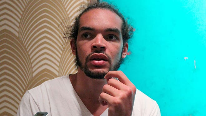 Chicago Bulls center Joakim Noah defended teammate Derrick Rose to reporters recently.
