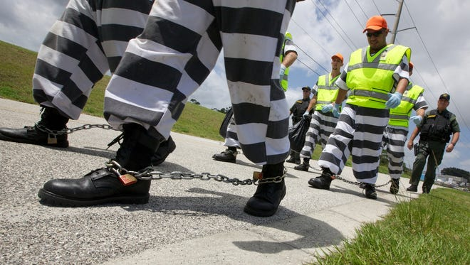 A new program in the Brevard County, Fla., jail system allows volunteer inmates to work on a chain gang.