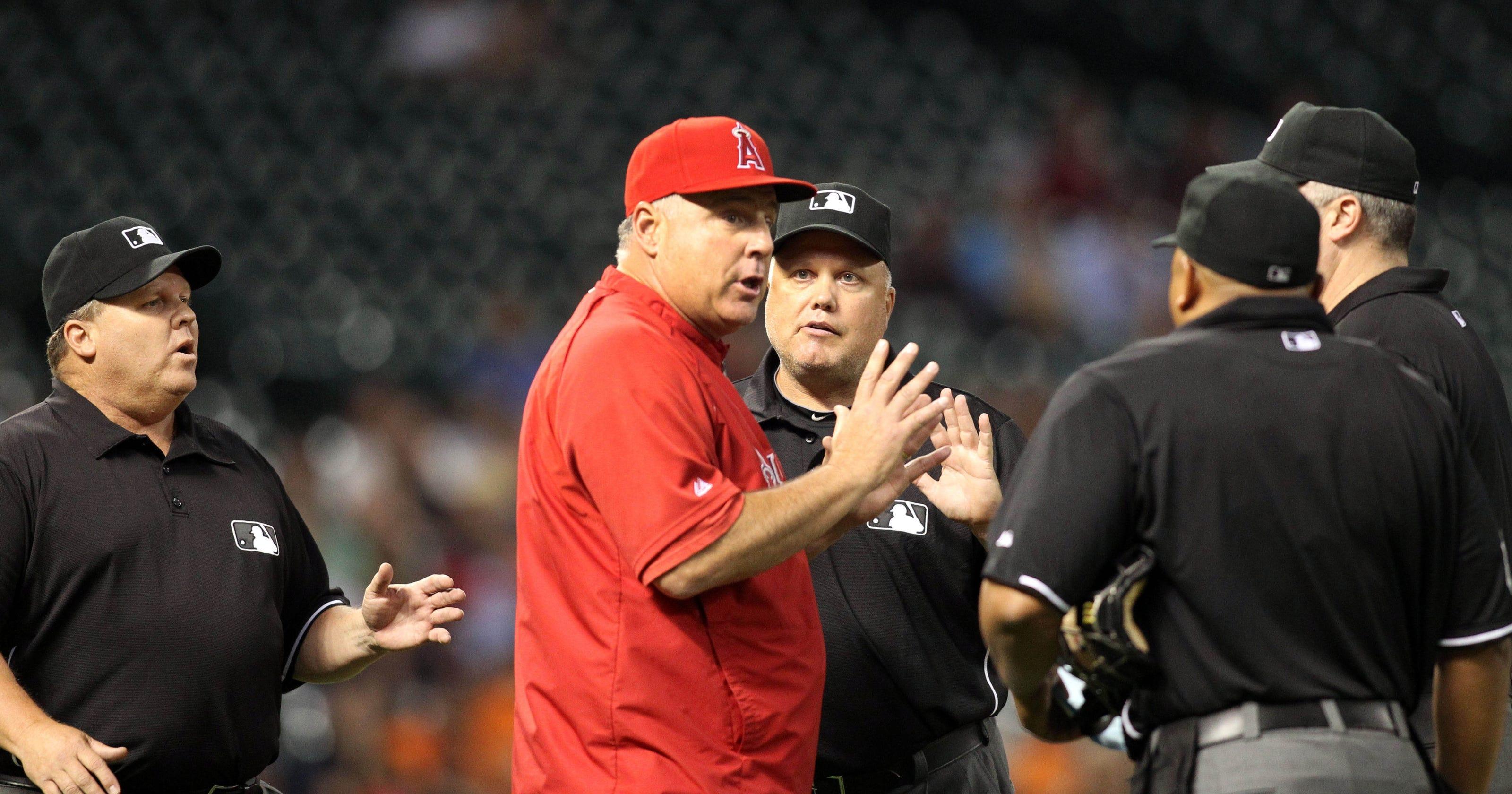 f35bf101b73 MLB suspends umpire Fieldin Culbreth for two games