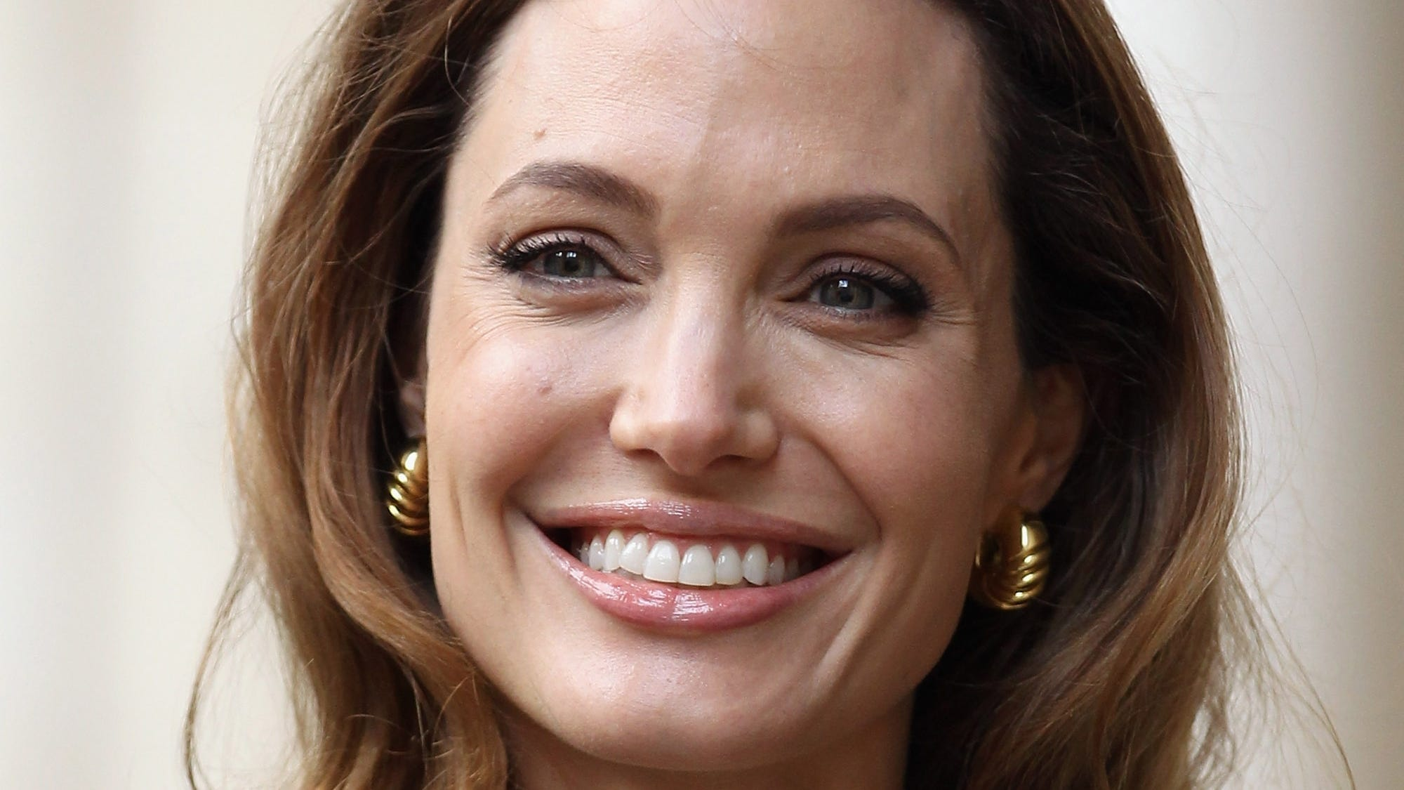 Angelina Jolie Bravely Reveals She Had A DoubleMastectomy picture