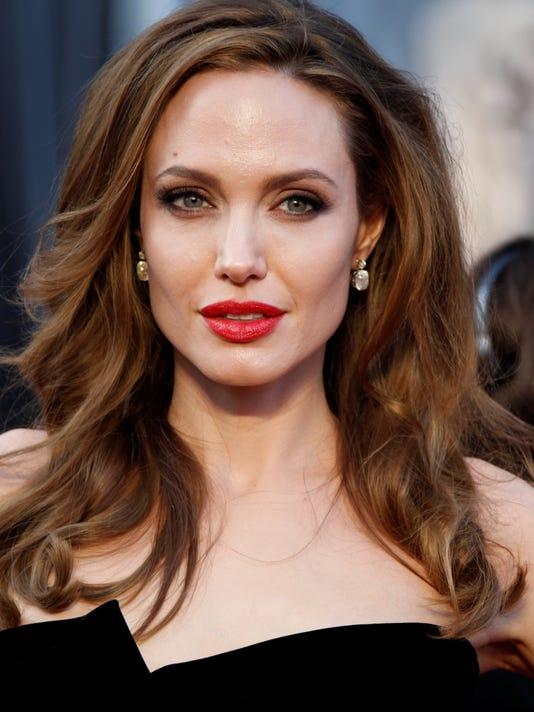 Angelina Jolies News Prompts Women To Call Doctors