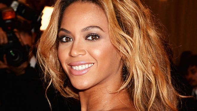 Beyonce knows how to deal with unruly fans.