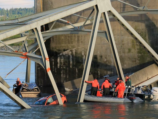 Skagit River bridge collapsed