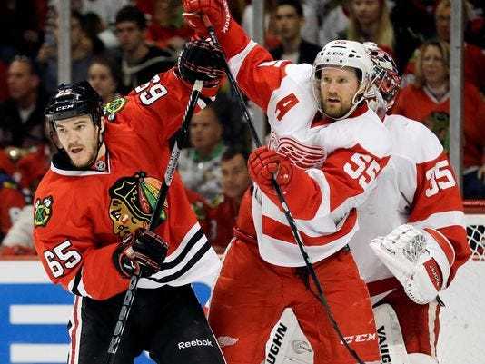 Blackhawks Have 'momentum,' Face Must-win In Detroit