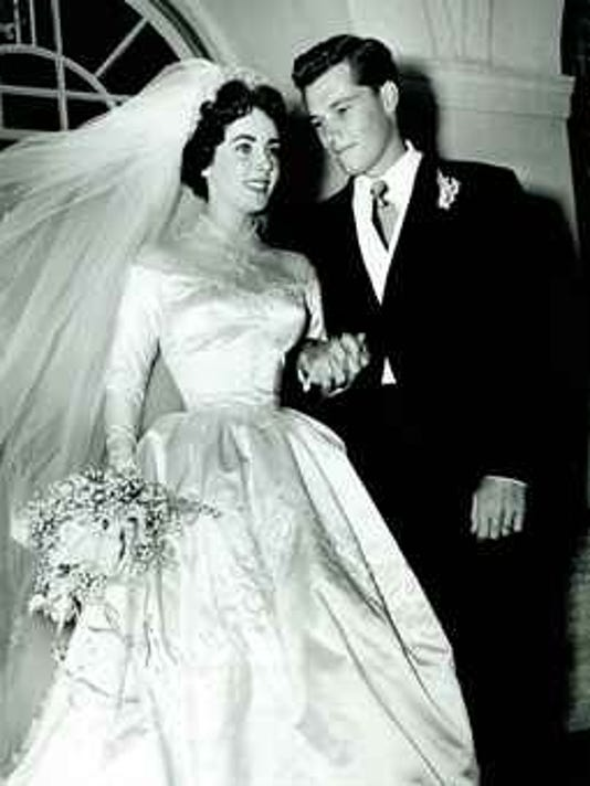 Elizabeth Taylors First Wedding Will Go Up For Auction At