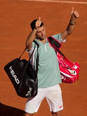 2013-06-07-thumbs-novak-semis-french