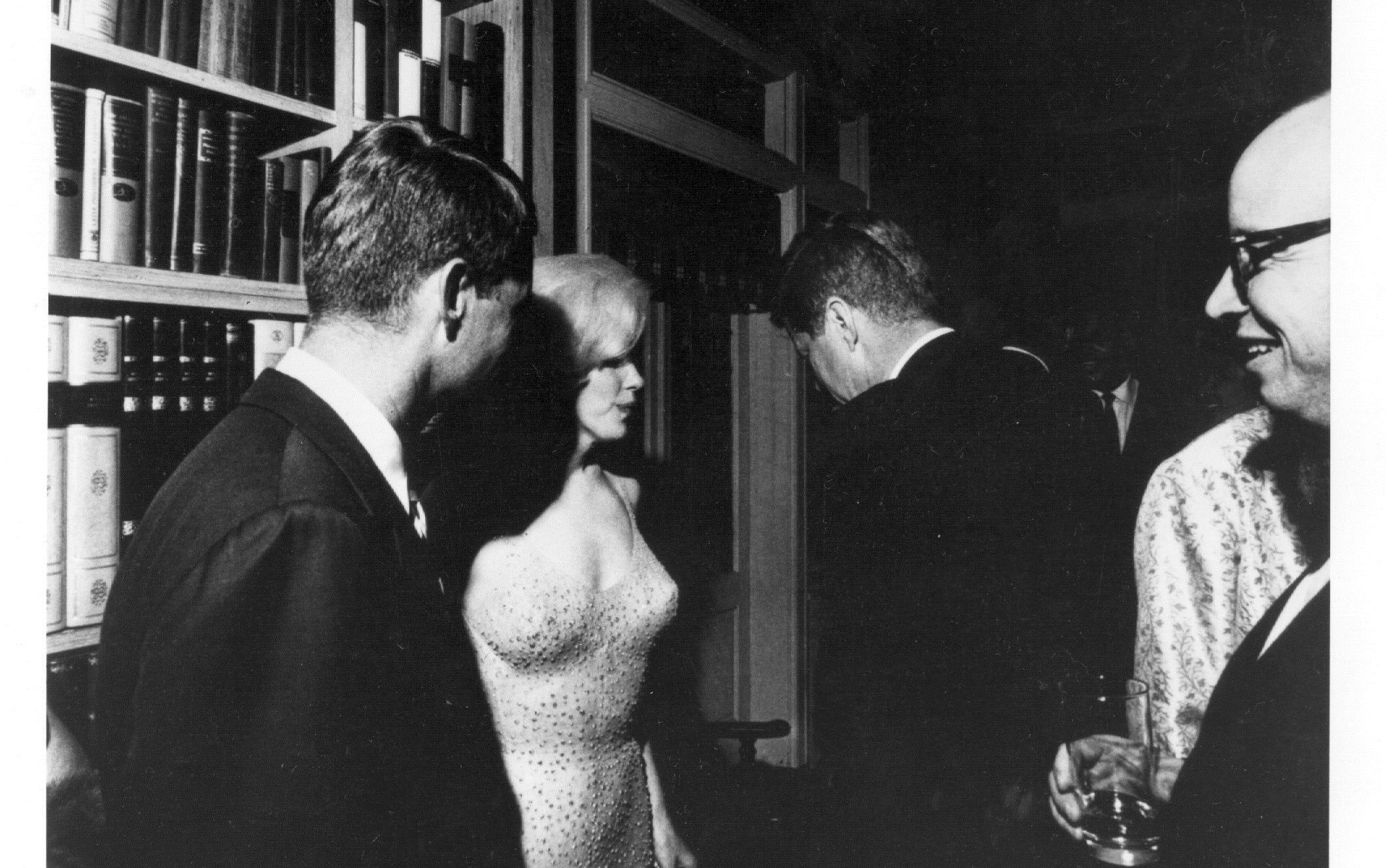Marilyn monroe nude Nude Photos 74