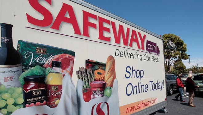 An online shopping advertisement is shown at a Safeway store in San Francisco.