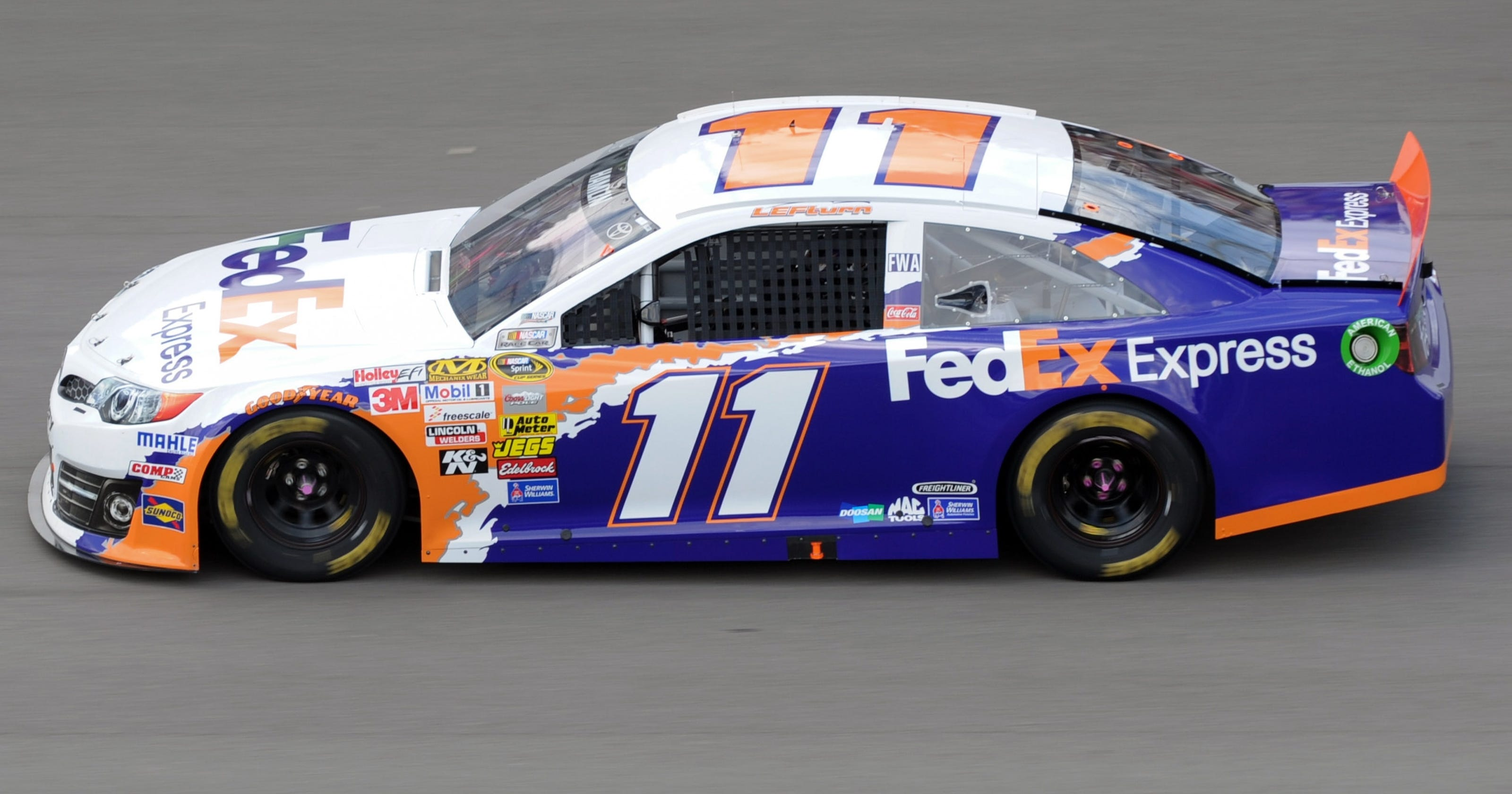 Toyota Pay Bill >> Denny Hamlin's cool tribute to Jason Leffler