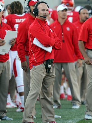 Houston coach Tony Levine looks to bounce back from a very disappointing debut.