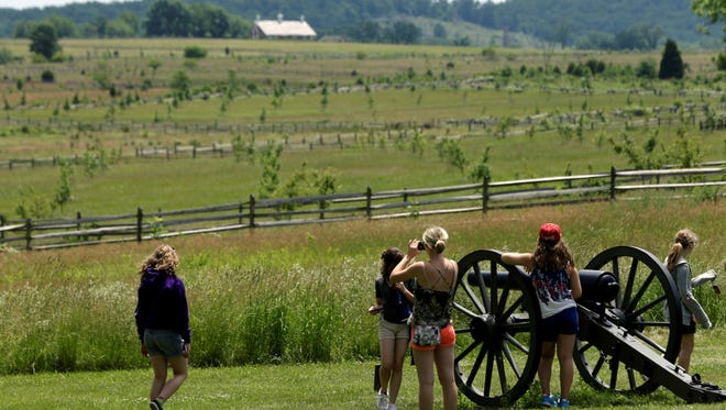 As the 150th anniversary of the Battle of Gettysburg draws near as hundreds of thousands of tourists visit the battlefield. Visitors will now be able to use cell phone apps to get historical information at various sites around the park.