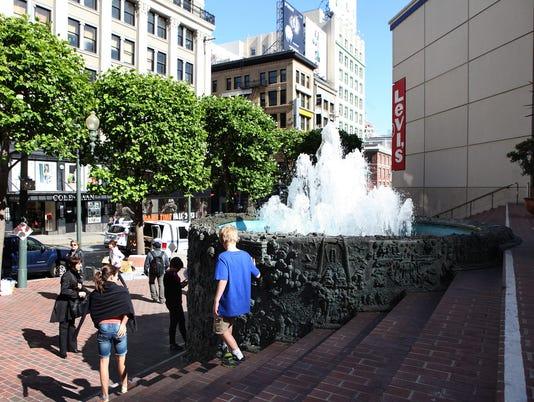 union square fountain