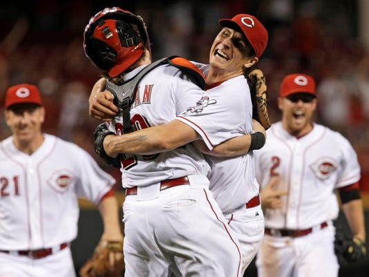 Homer Bailey throws second no-hitter, dominates Giants