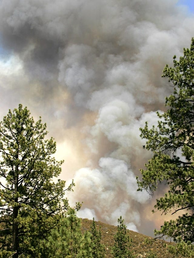 California wildfire burned 7 homes, threatens more
