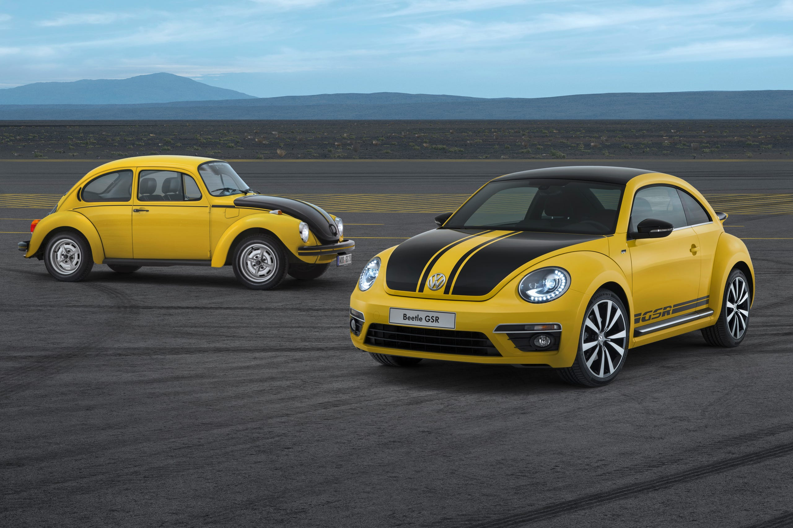 Hot 2014 VW Beetle GSR -- the new Yellow/Black Racer