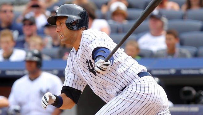 New York Yankees shorstop Derek Jeter went back on the DL with a strained right quadriceps.