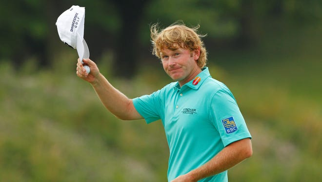 Brandt Snedeker takes a one-shot lead into the final round of the Canadian Open.