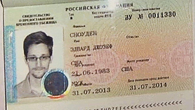 Temporary document allowing Edward Snowden to enter Russia on Thursday.