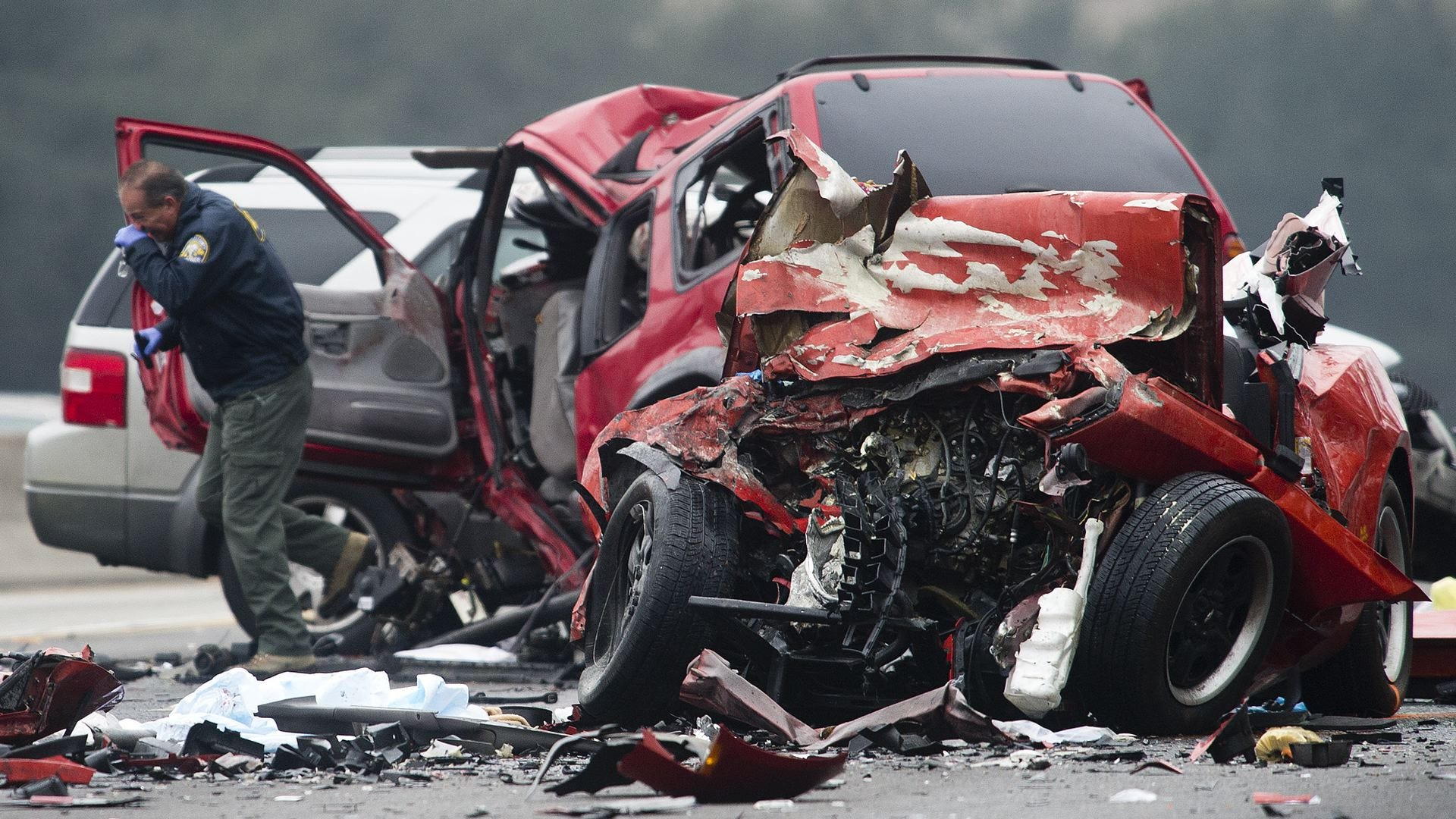 2 eerily similar crashes, 11 dead | USA NOW