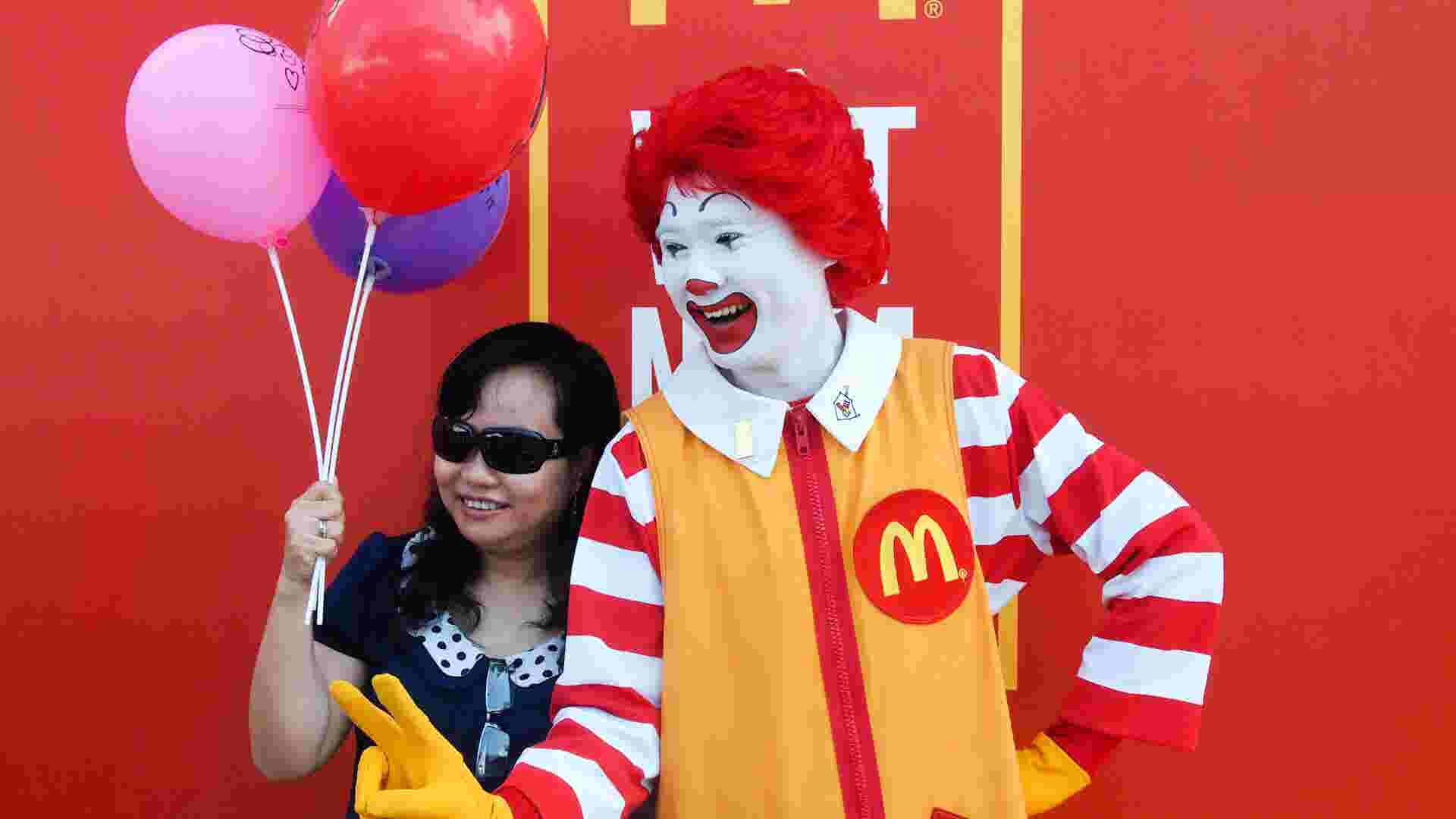 McDonald's booms abroad, sags at home | Monday Money