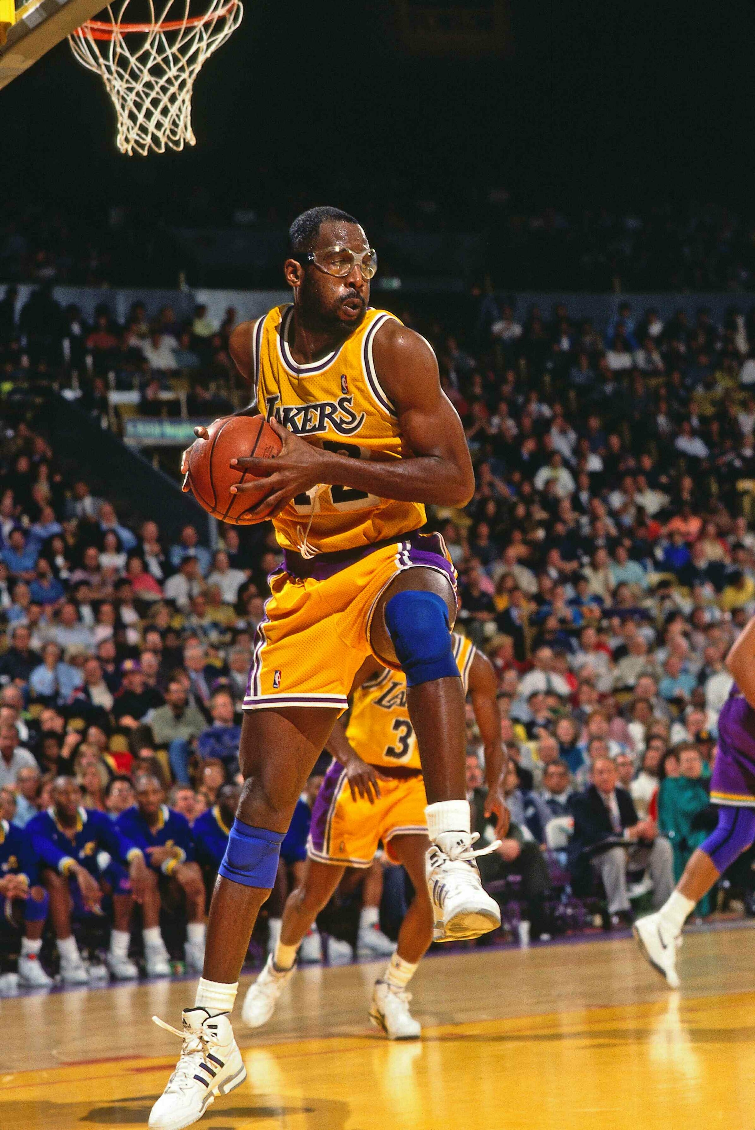 History Of Nba Players In Masks And Face Guards