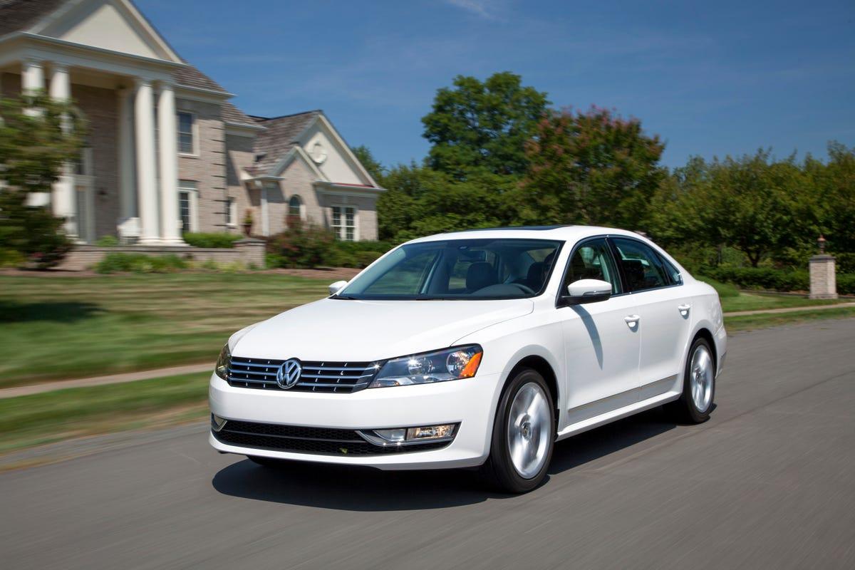 VW recalls Passat for hood-slam headlight issue