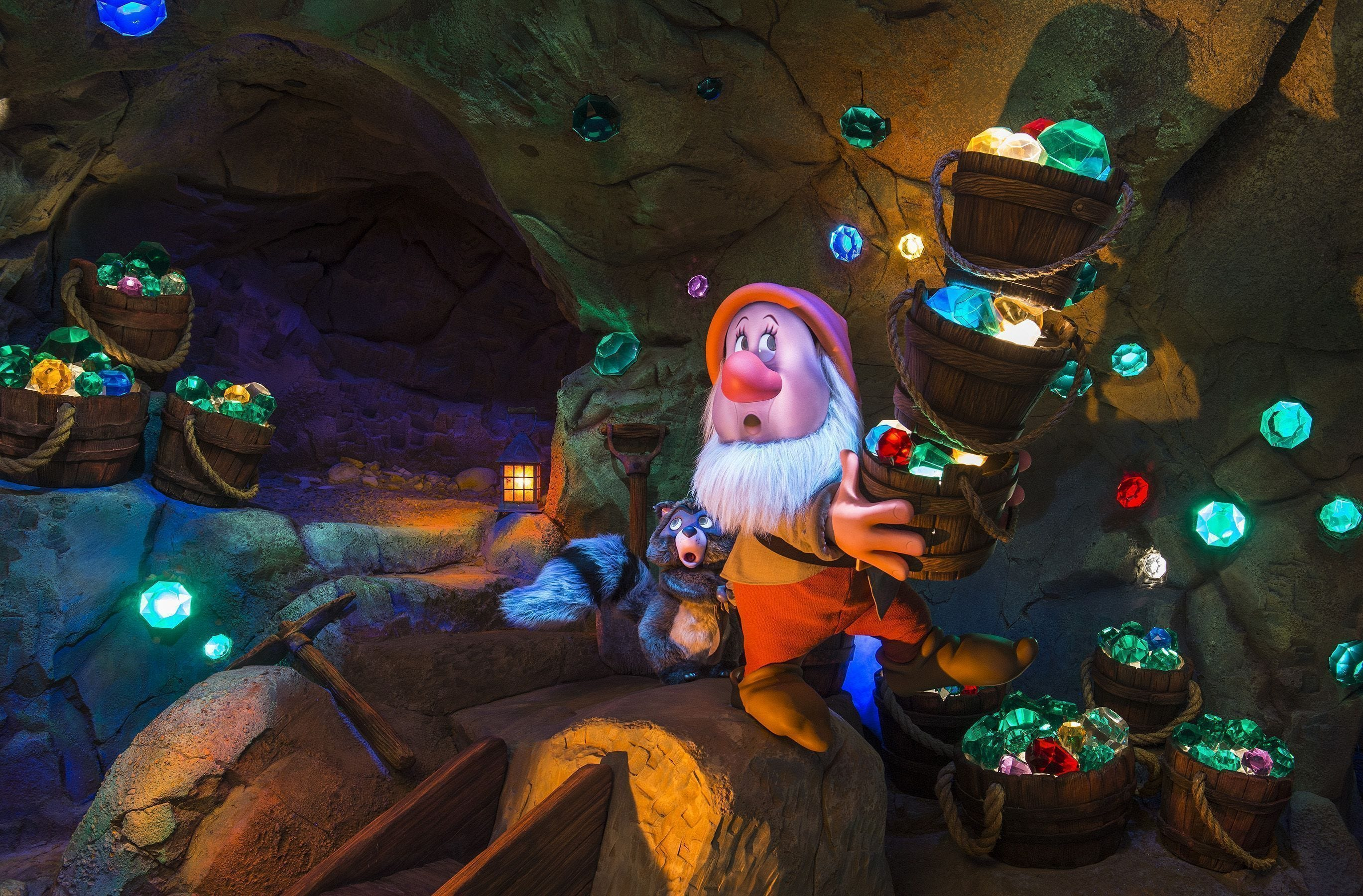 dwarfs mine seven train disney magic kingdom snow ride mining peek sneak attraction coaster walt roller wdw usatoday inside unlike