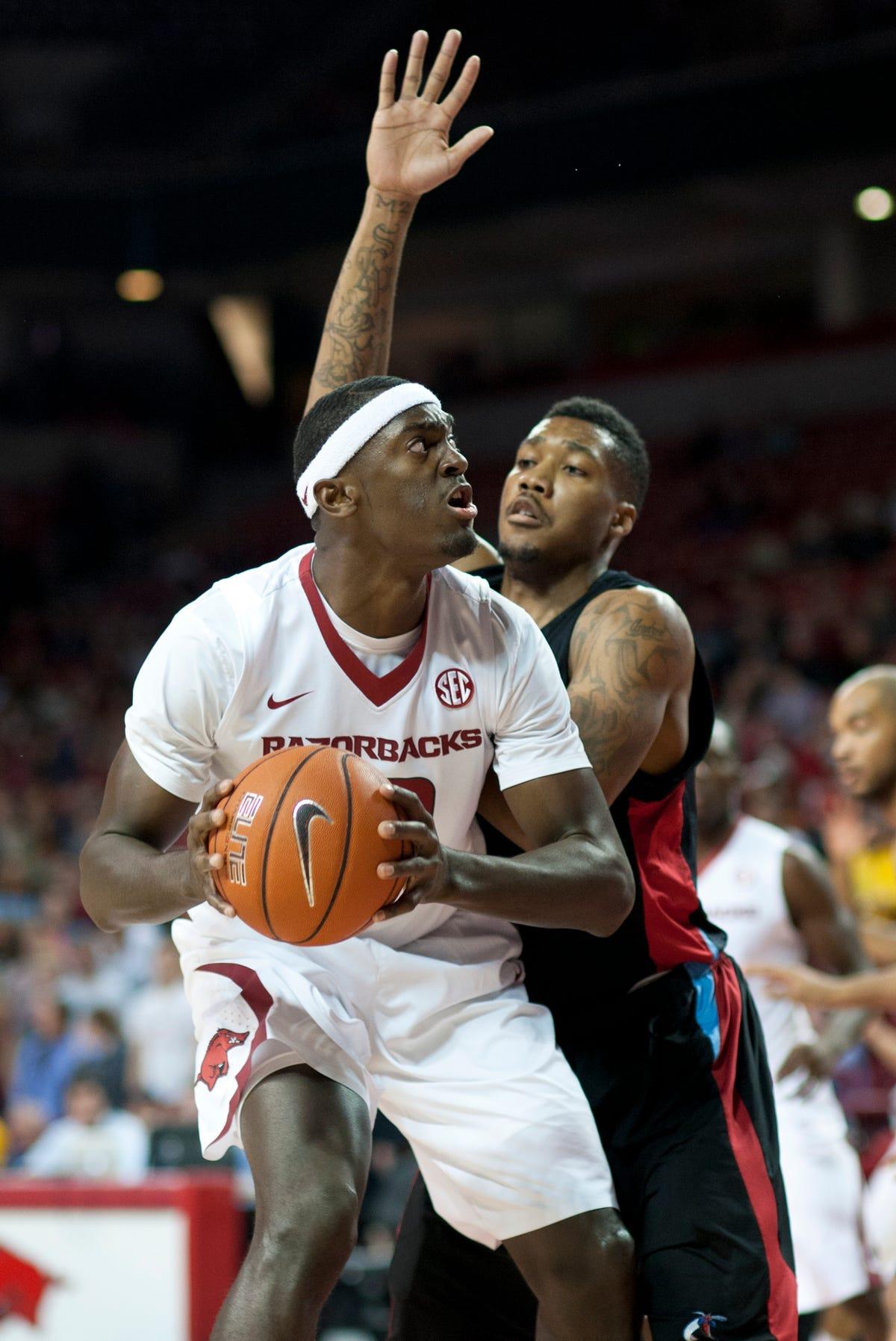 Arkansas' fortunes a key cog for SEC basketball hopes