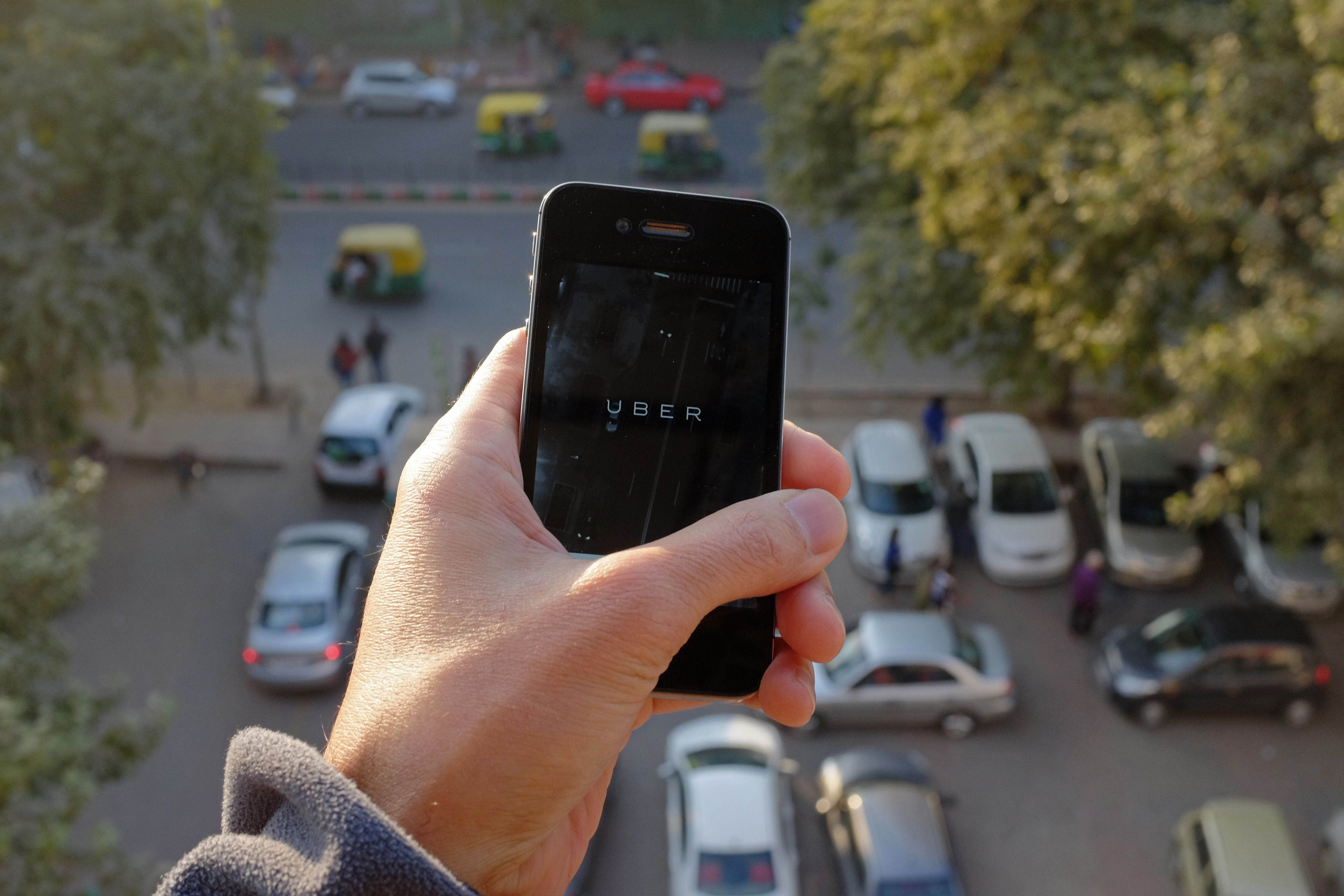 Uber loses preliminary suit in Netherlands