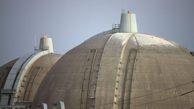 The operator of California's troubled San Onofre nuclear power plant proposed Thursday to restart one of the plant's twin reactors.