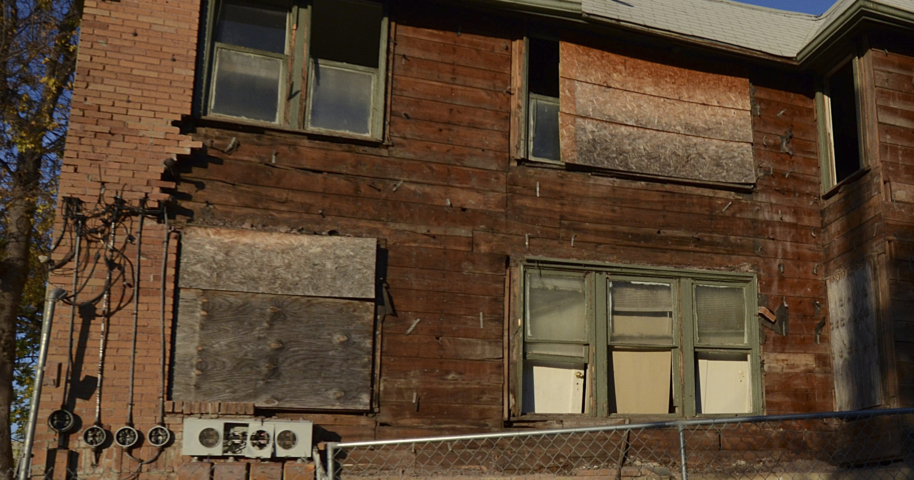 Apartment where Lee Harvey Oswald lived being demolished