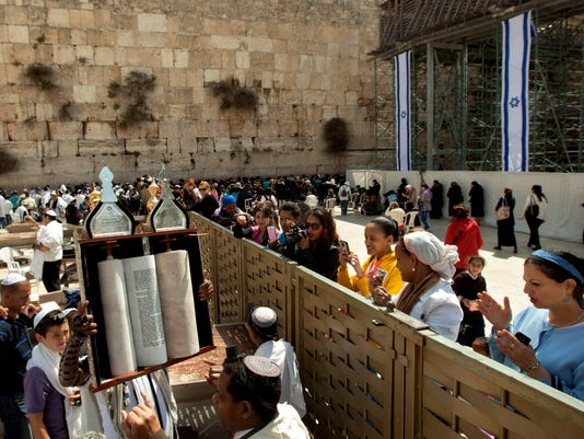 Jewish prayer at Western Wall ready to go co-ed?