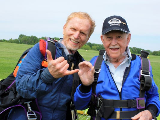 Ohio man, 87, skydives to aid sick great-grandson