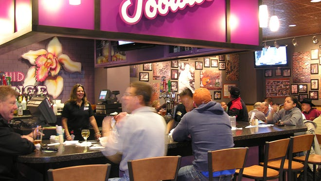 MeetAtTheAirport, a dating website, allows members to socialize while waiting for a flight  One possible meeting site: Tootsie's at Nashville International Airport.