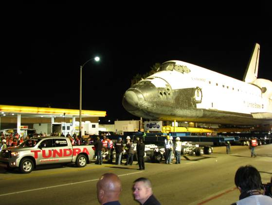 YouTube Space Shuttle Tow Tundra - Pics about space
