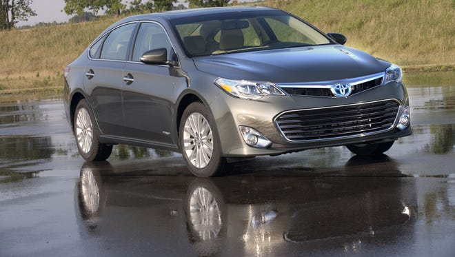 Toyota's 2013 Avalon Hybrid sets the styling pace for future models.
