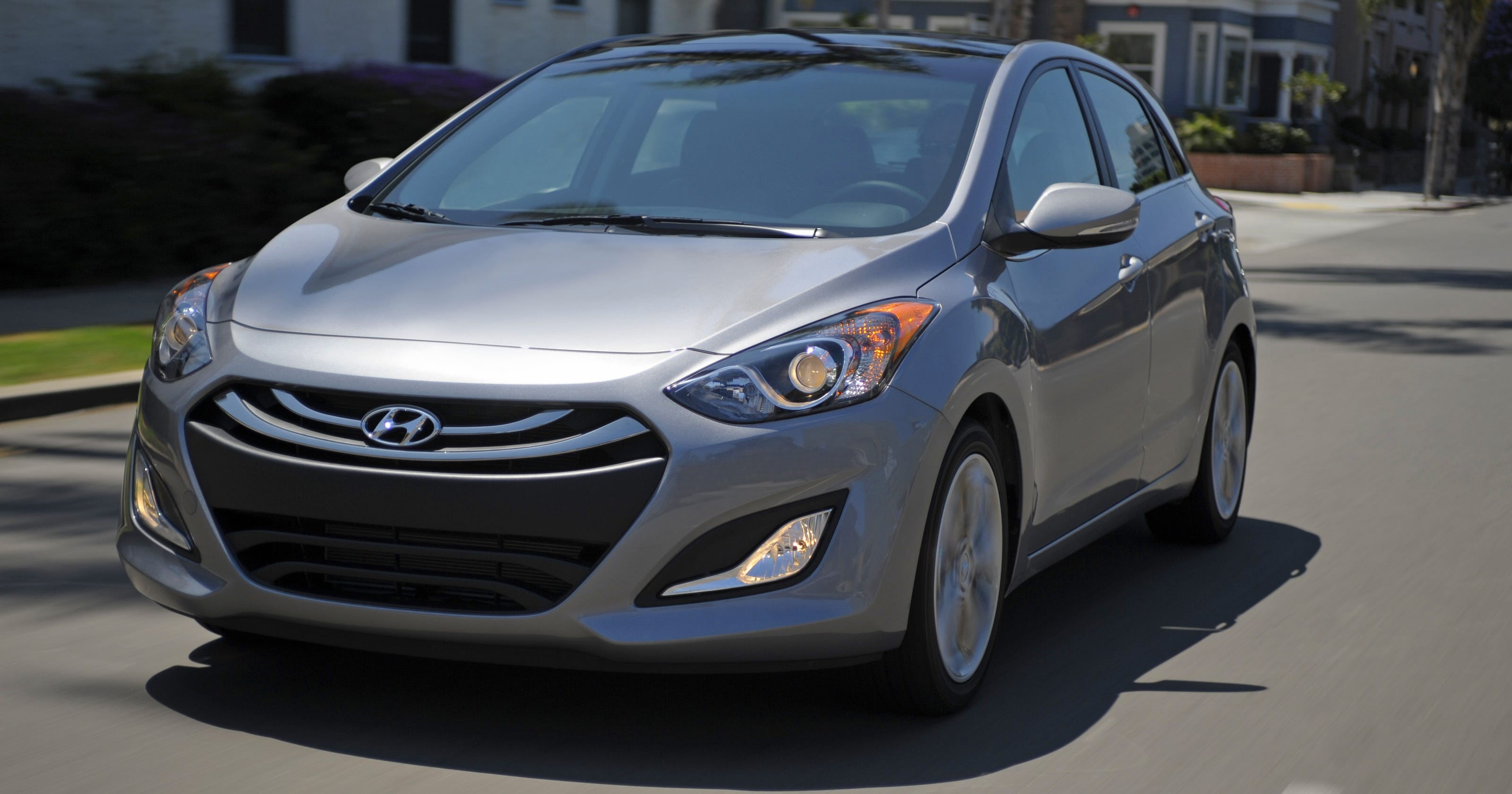 Drive On Hyundai Elantra Owner Still Mad About Mpg 2012 Fuel Filter