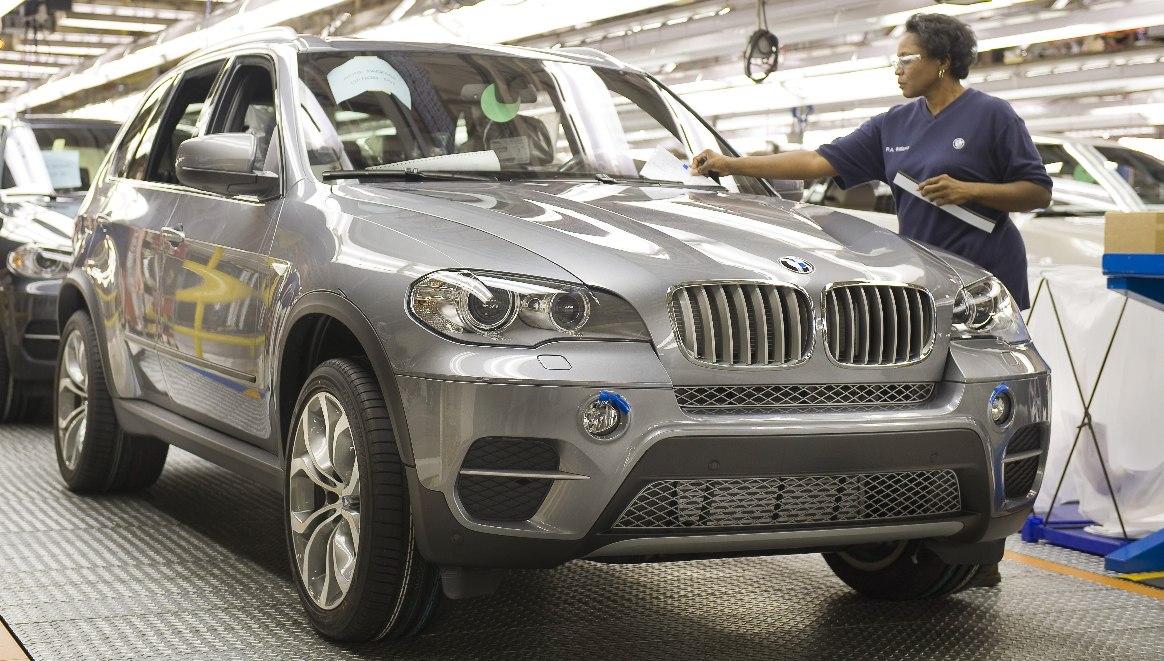 Bmw 570 000 Recalled Cars Need Cable Fix