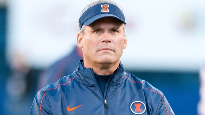 Illinois coach Tim Beckman isn't apologizing for recruiting Penn State players.