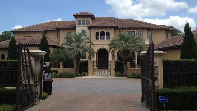 Warren Sapp's house is up for acution