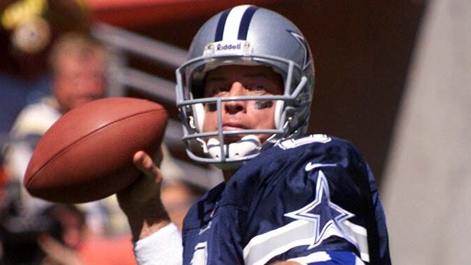 Dallas Cowboys quarterback Troy Aikman during the 1999 season. Aikman, now a Fox analyst, says Dallas fans were never fully committed to the team.